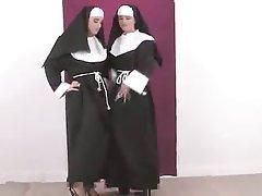 Babe, Cunnilingus, Lesbian, Masturbation